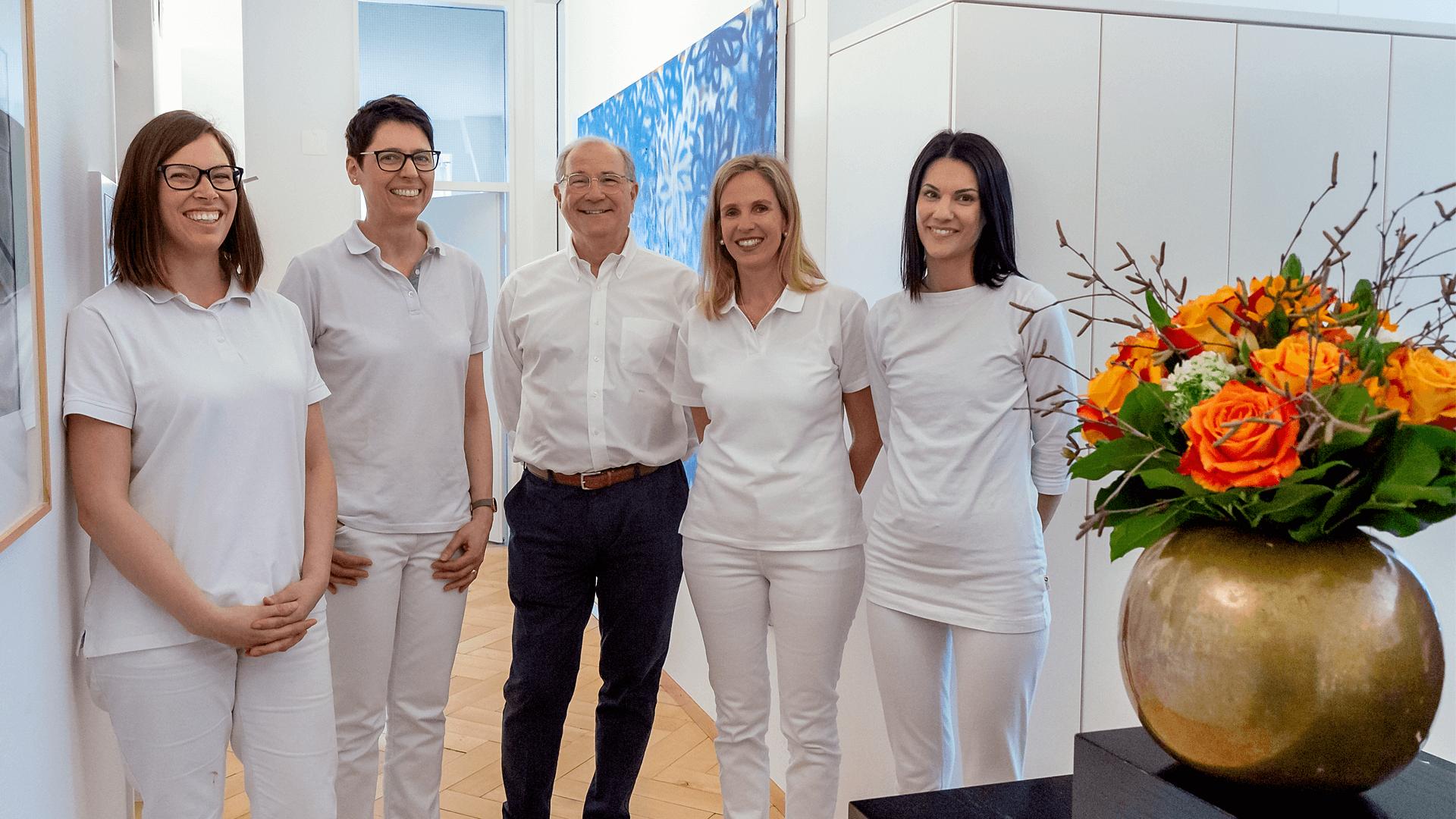 Spazialarzt FMH führt Fraenarzt-Praxis im Zentrum von Zürich